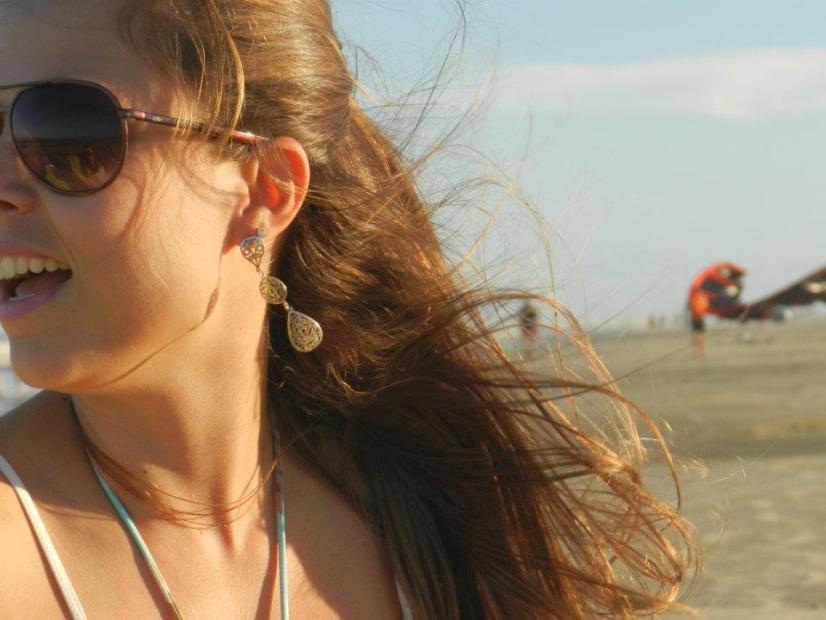 Bárbara Viero, autora do blog Vai pra Praia!